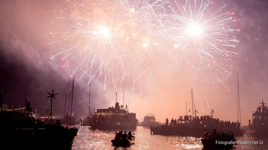 Vuurwerk Cruise Kermis Hoorn
