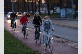 """Politie waarschuwt fietsers zonder licht: """"Zorg dat uw donorregistratie in orde is"""""""