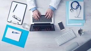 'Patiënten moeten online afspraak kunnen  regelen of skypen met hun (huis)arts'
