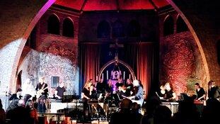Slagwerkgroep Ursem geeft een bijzonder concert in de Bavokerk