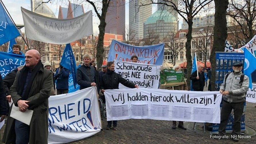 """Boze dijkbewoners naar Tweede Kamer: """"Onze dijk moet behouden blijven!"""""""