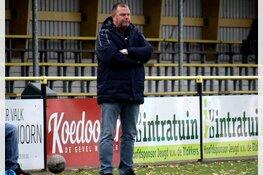 Luc Ebbeling ook komend seizoen hoofdtrainer De Blokkers VR1