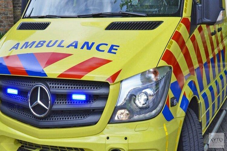 Motorrijder gewond na botsing met auto in Zwaagdijk-Oost