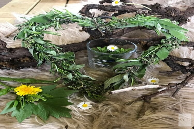 Kruiden workshop bij Jam en Zo;  kruidenkransje binden & kruiden azijn maken