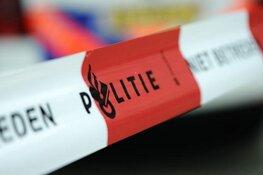Vrouw neergestoken in woning Hoorn, ook verdachte gewond naar ziekenhuis
