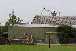 Team Brandonderzoek start onderzoek bij boerderij in Berkhout