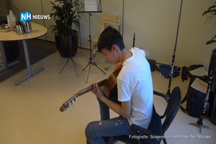 Struidlustig protest van muziekschool Stede Broec tegen nieuwe subsidiemaatregel