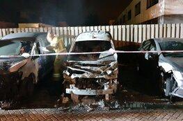 Drie auto's door brand verwoest in Hoorn