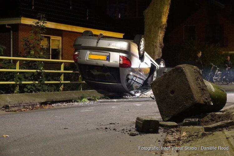 Auto op z'n kop in Grootebroek
