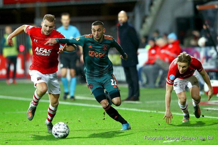 AZ viert thuiskomst met winst op Ajax