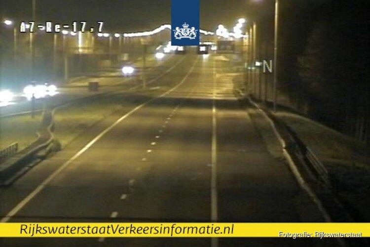 A7 richting Hoorn dicht na ongeluk met meerdere auto's