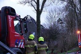 Brand in woning Avenhorn: bewoners en buren geëvacueerd
