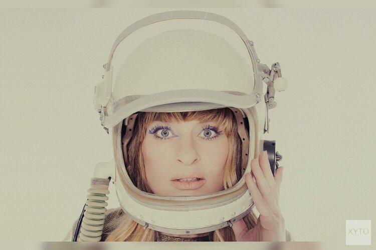 Sandra van Nieuwland 'Human Alien and More tour' Zaterdag 02 mei