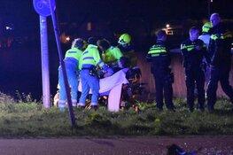 Auto te water bij ongeval Zwaagdijk, minimaal één gewonde