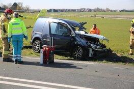 Frontale botsing tussen vrachtwagen en auto in De Goorn