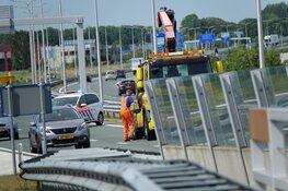 Boot valt van aanhanger op Westfrisiaweg