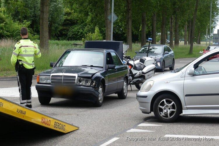 Ongeval met twee auto's op Zuiderweg in Schagen
