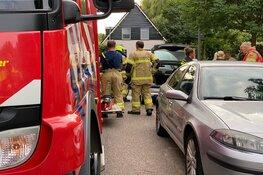 Auto vliegt in brand in Andijk