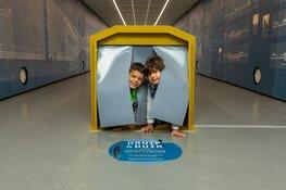 Museale tunnel decor voor nieuwe tentoonstelling