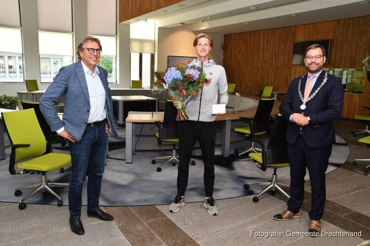 Nederlands Kampioen Tennis Gijs Brouwer gehuldigd