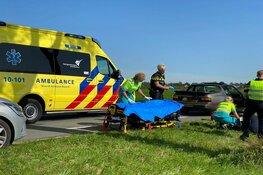 Fietser rijdt achterop auto in Wijdenes