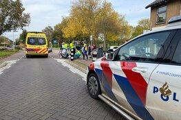 Wielrenner tegen wegversmalling in Enkhuizen