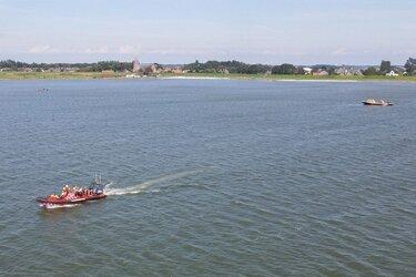 Watersporter in problemen op Markermeer belt zelf 112